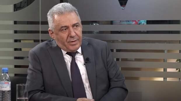 Глава МО Армении обсудил ситуацию на границе с Азербайджаном с командующим ЮВО ВС РФ