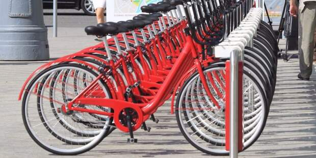 В Беговом появились велопарковки в новом дизайне