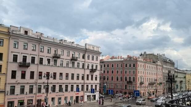 Град и ливни ожидаются в Петербурге 26 июня