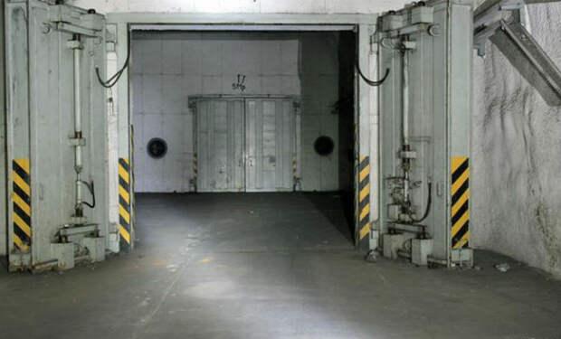 За ржавой дверью нашли подземный город Вермахта