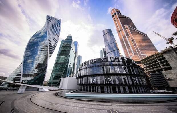 Перераспределение в пользу богатых: как РФ вышла в лидеры по неравенству