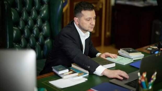 """Зеленский давал концерт в Донбассе и обещал """"снести"""" киевскую хунту"""