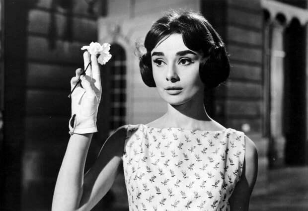 Одри Хепберн - сбежавшая принцесса Голивуда.