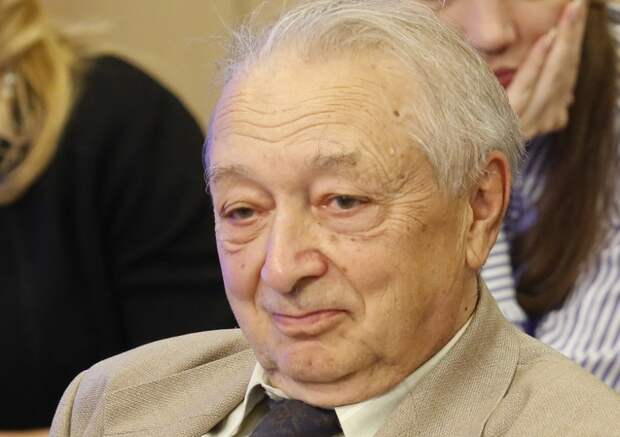 Академик РАН считает, что молодым ученым нужно ограничить выезд из России