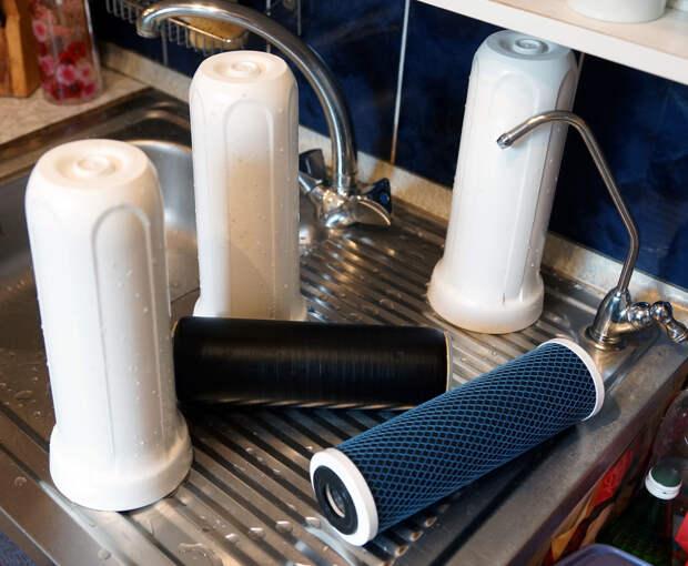 Опасная жидкость: какую воду все-таки можно пить?