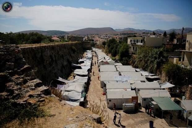 Лагерь для беженцев и мигрантов