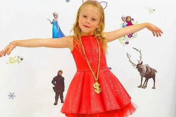 Шестилетняя россиянка заработала 18,5 миллионов долларов и попала в список Forbes