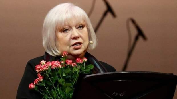 «Я запретила детям плакать»: Светлана Крючкова рассказала о борьбе с опухолью