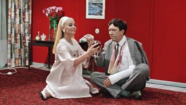 Анна Сергеевна – героиня фильма «Бриллиантовая рука». /Фото: img51994.domkino.tv