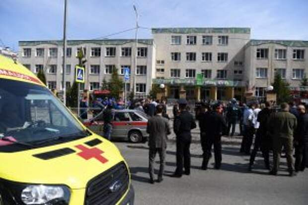 После стрельбы в школе в Казани госпитализировали 12 детей и одного взрослого
