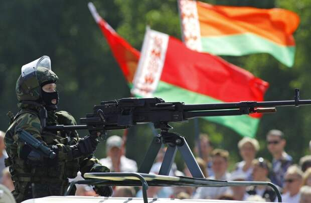 Сенатор Мельниченко уверен, что протесты в Беларуси организовал Запад