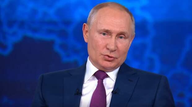 Путин осмотрел «шахматный» истребитель Ростеха на МАКС-2021