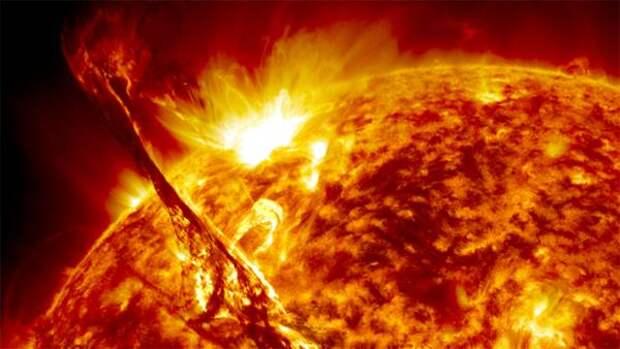 Сибирские ученые будут изучать вспышки в короне Солнца
