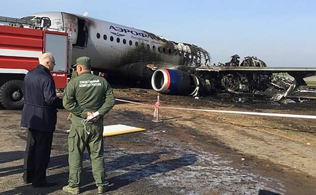 СМИ узнали о последствиях удара молнии в SSJ100 незадолго до катастрофы