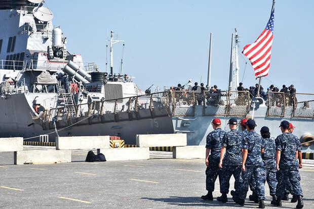 Зачем CША снова отправили свои корабли в Черное море