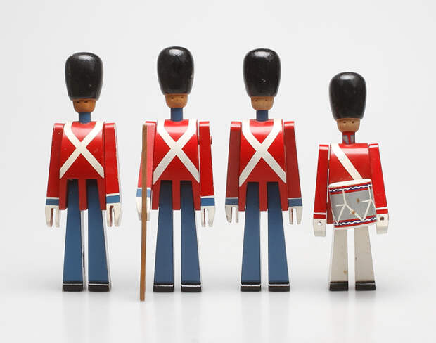 Деревянные солдатики в датской форме.