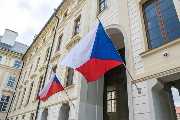 Власти Праги потребовали от посольства России освободить полгектара земли