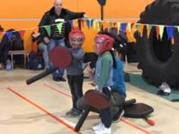 Несколько десятков юных спортсменов участвовали в турнире замка Белый Крест