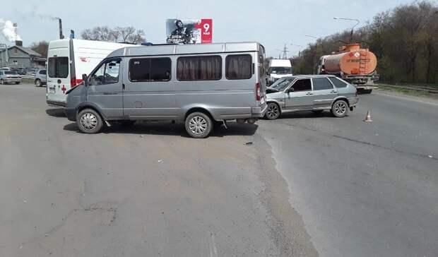 На окраине Новотроицка в ДТП пострадал водитель ВАЗа