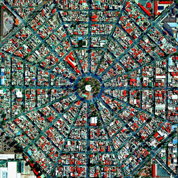 18. Площадь Плаза-дель-Эджективо в Мехико, Мексика. фото со спутника, фотограф Бенджамин Грант, фотографии