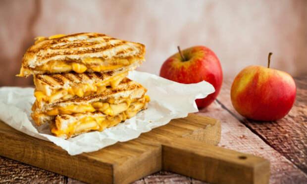 Перед бутербродами не устоять: минутная вкуснота на утро