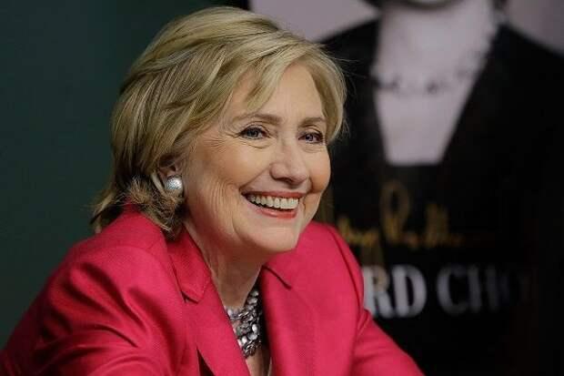 Клинтон дает Байдену советы, как не проиграть выборы
