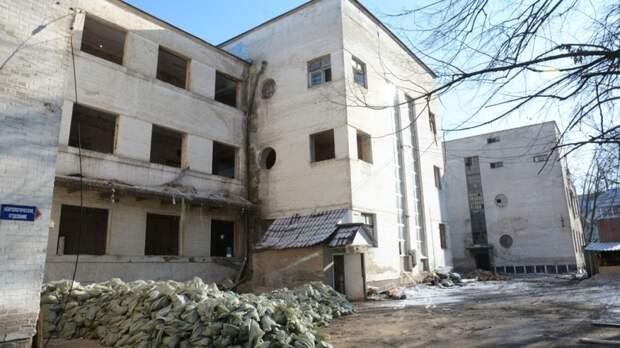 Более 300млн рублей нехватает наремонт больницы Семашко вРостове