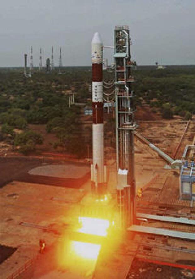 Старт ракеты-носителя PSLV