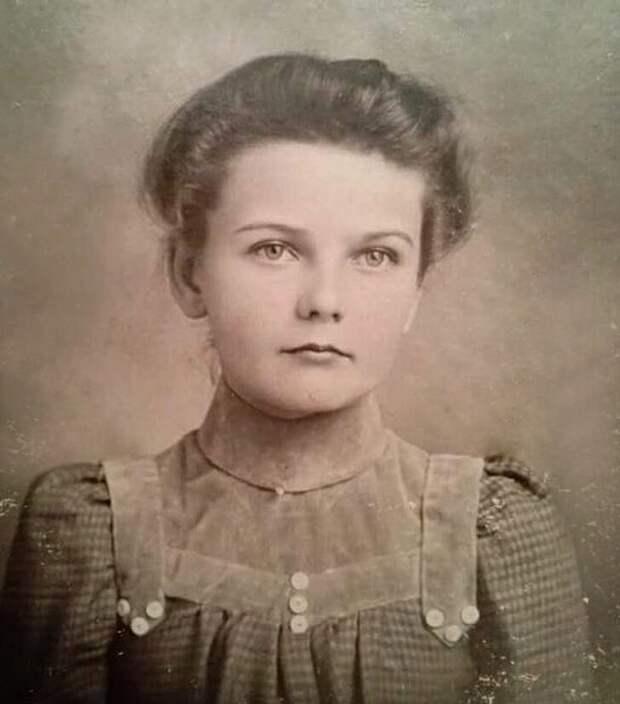 6-летняя девочка 1900-х