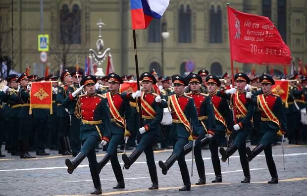 На Красной площади прошел Парад Победы. Президент поздравил россиян с праздником 9 Мая