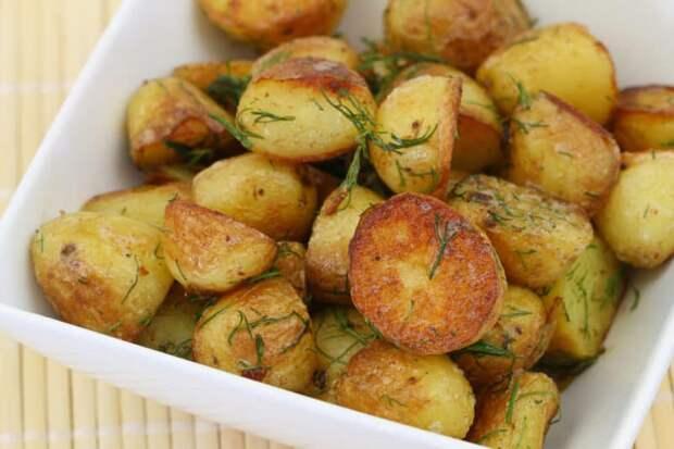 Картофель с хрустящей корочкой:  молодой  картофель с мягкой серединкой