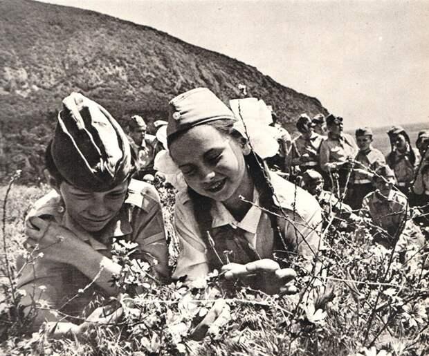 Загар наших дедов: фотографии курортного Крыма 70-х