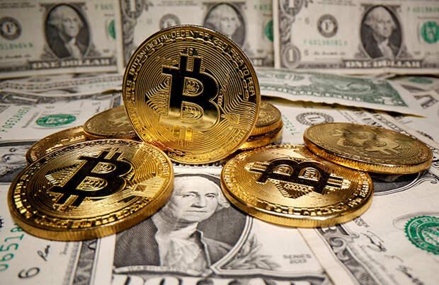 Обвал на рынке криптовалют: биткоин упал ниже 30 тысяч долларов