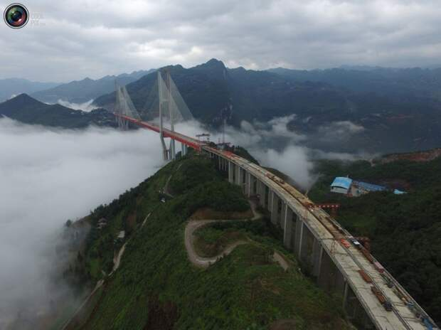 Строящийся мост