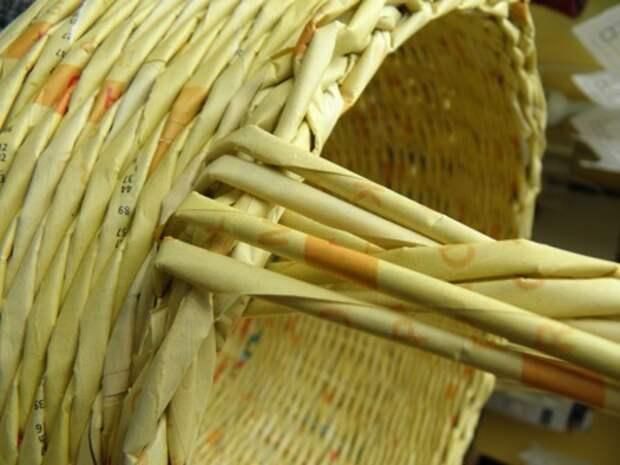 плетение из газет. корзинка из газетных трубочек (1) (336x448, 62Kb)