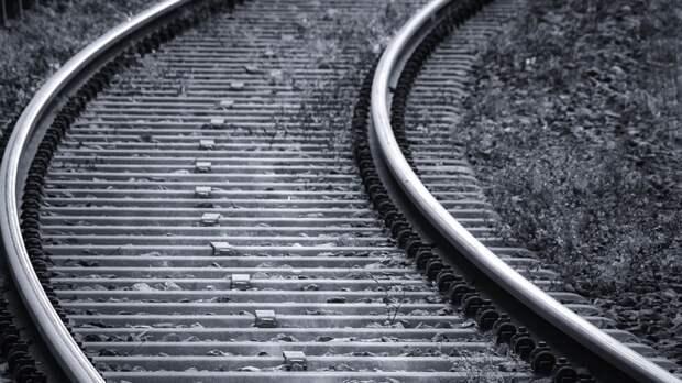 Несколько вагонов поезда сошли с рельсов под Самарой
