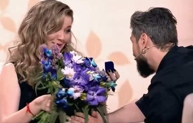Анастасии Веденской сделали предложение в эфире телешоу