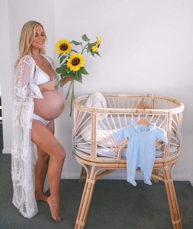 Без прикрас и одежды: блогерша показала своё тело спустя 24 часа после родов