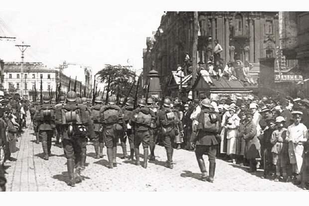 Пилсудский в Киеве. Очередное «свято» банановой республики