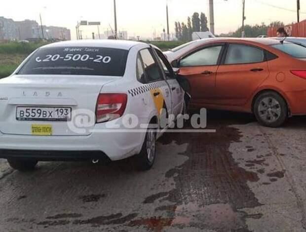 В Краснодаре протаранившему школьные ворота таксисту грозит тюрьма
