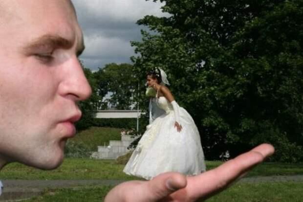 Поцелуй Дюймовочки... гопота, деревня, прикол, свадьба, село, фотограф, фотошоп, юмор