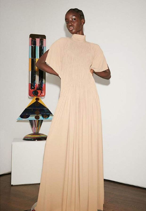 Виктория Бекхэм пригласила на показ своей новой коллекции только мужа и детей