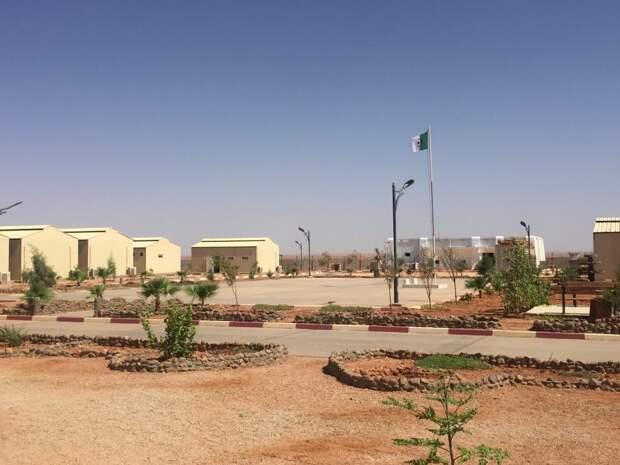 В гостях у алжирской армии на границе с Ливией