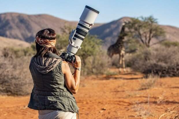 Для своей первой съемки на камеру Canon EOS-1D X Mark III она отправилась в регион, где никогда не бывала раньше, — в пустыню Калахари.