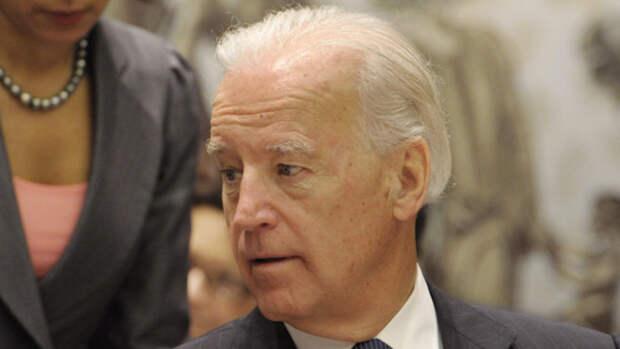 Президент США Джо Байден подписал указ о новых санкциях против России