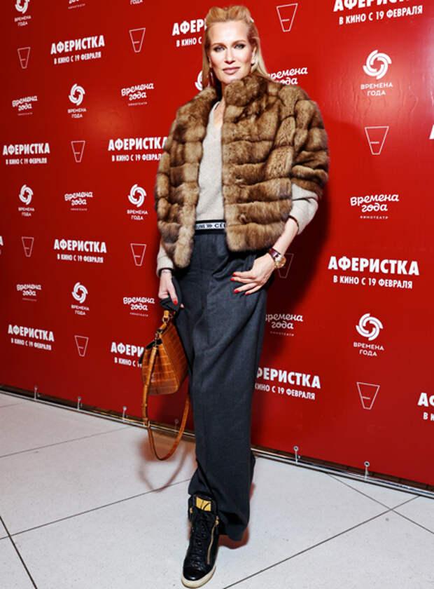 """Дмитрий Хрусталев с женой, Виктория Дайнеко и другие гости премьеры фильма """"Аферистка"""""""