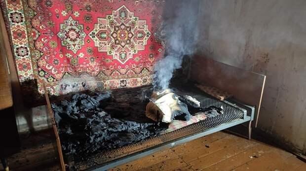 В Сакском районе мужчина курил в постели и устроил пожар