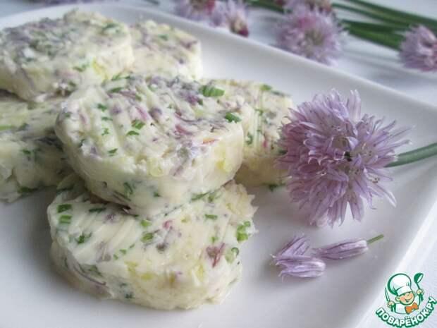 Чесночное масло с цветками шнитт-лука