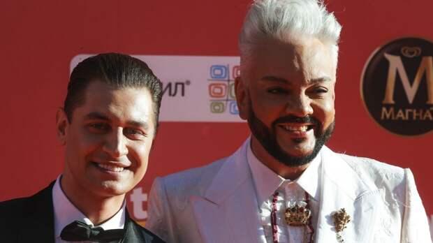 Собчак назвала каминг-аутом появление Давы в компании мужчин на премии Муз-ТВ