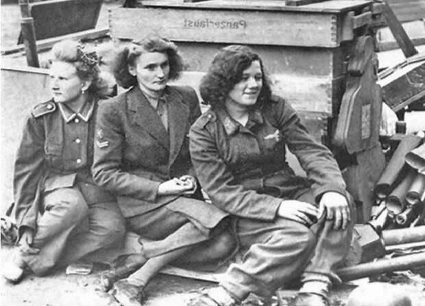 Как красноармейцы поступали с пленными немками